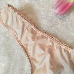 Victoria's Secret Intimates & Sleepwear - ❌SOLD❌VS thong